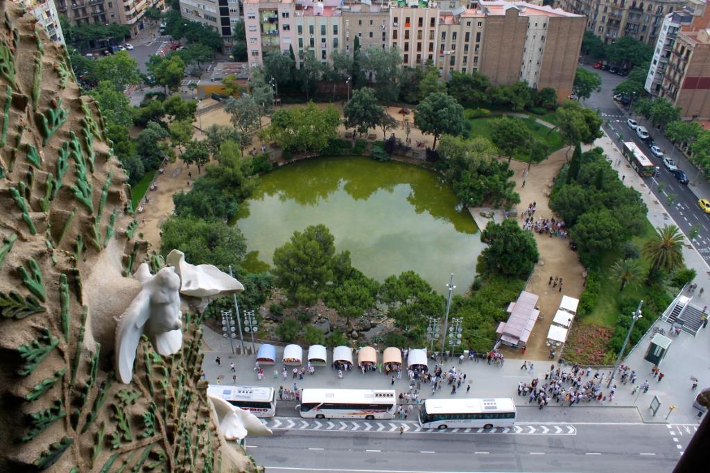 Plaça de Gaudí